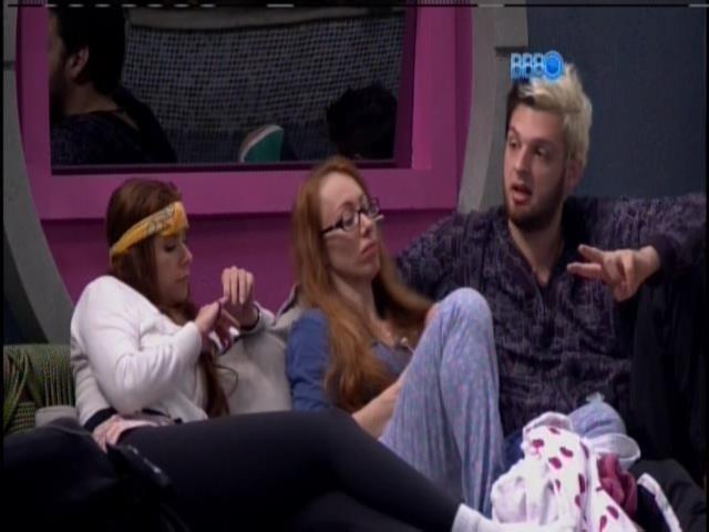 17.jan.2014. Aline, Cassio, Junior e Amanda conversam sobre roni