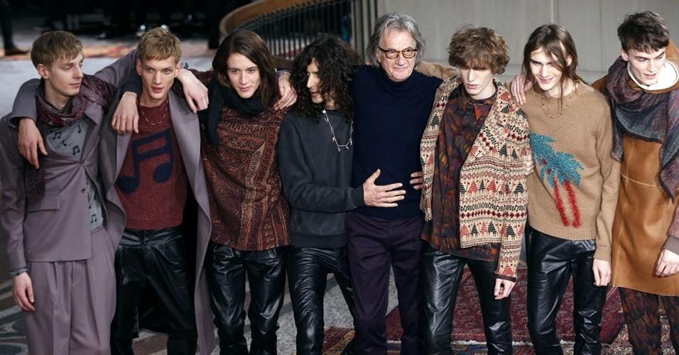 19 jan. 2014 - Modelos ao fim do desfile de Paul Smith para o Inverno 2014 durante a semana de moda masculina de Paris