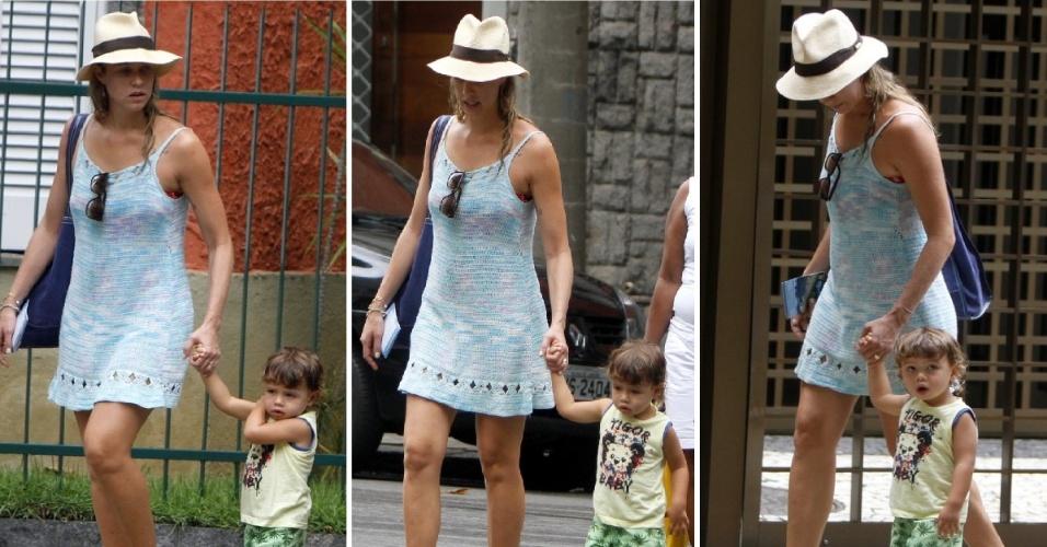 19.jan.2014 - Luana Piovani passeia com o filho, Dom, pelo Leblon. Neste domingo (19), a atriz aproveitou a bela tarde de sol para passear com o seu pequeno pela Zona Sul carioca