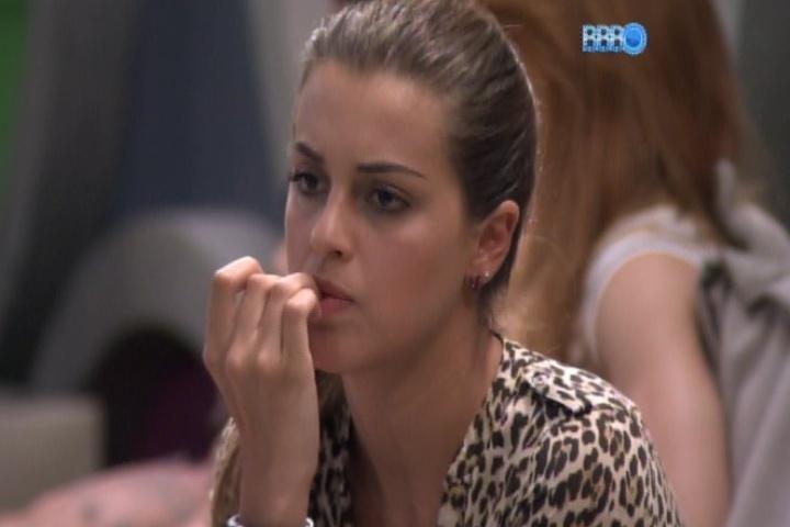 20.jan.2014 - Angela diz que foi ignorada pela líder Tatiele após ser indicada ao paredão