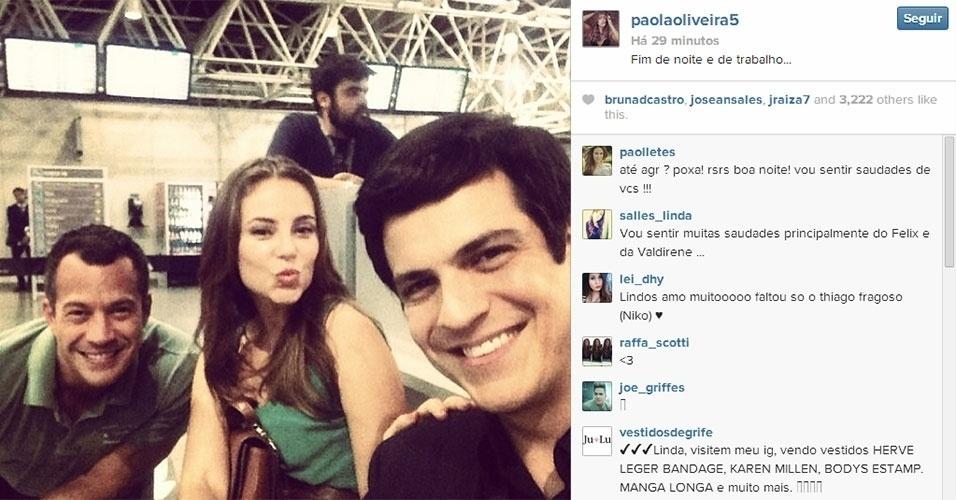 21.jan.2013 - Paola Oliveira posta foto descontraída nos bastidores de ?Amor à Vida? com Malvino Salvador e Mateus Solano. Eles pareciam gravar em um aeroporto. A novela termina no dia 31 de janeiro