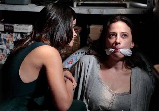 Rebeca sofre na mão de Aline