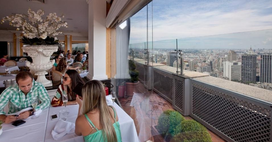 terraco jardins clinica:Restaurante Terraço Itália, no Centro de São Paulo, oferece