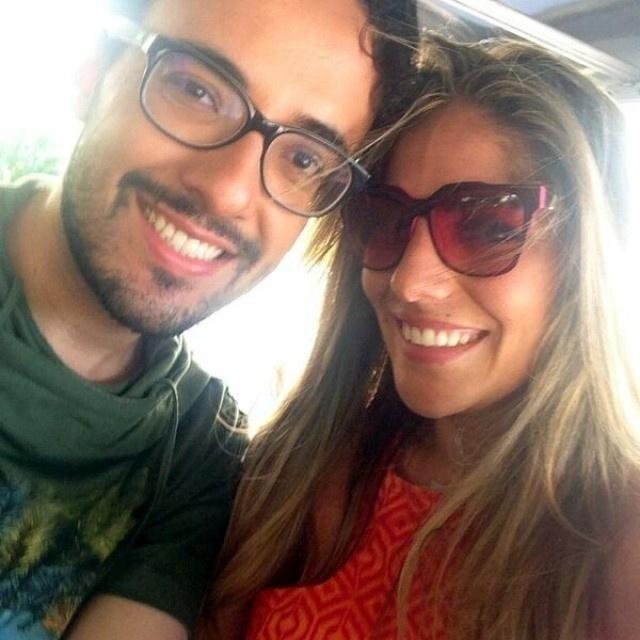 Alisson posa para foto com a ex-sister Maroca