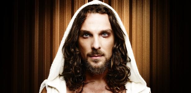 """Igor Rickli vive Jesus no espetáculo """"Jesus Cristo Superstar"""", em cartaz de 14 de março a 8 de junho de 2014"""