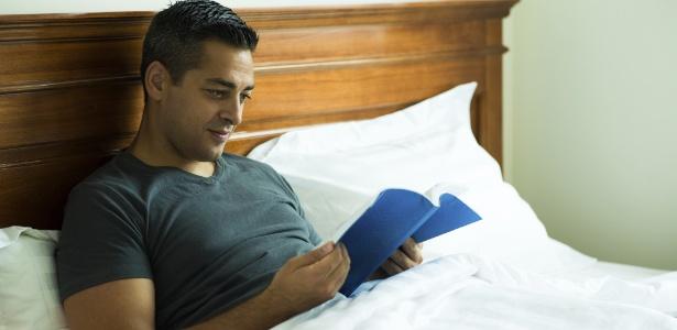 Ler alivia as tensões musculares e diminui o ritmo cardíaco, dependendo do título escolhido, é claro
