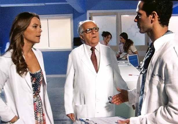 Paloma descobre a verdade em conversa com Pérsio