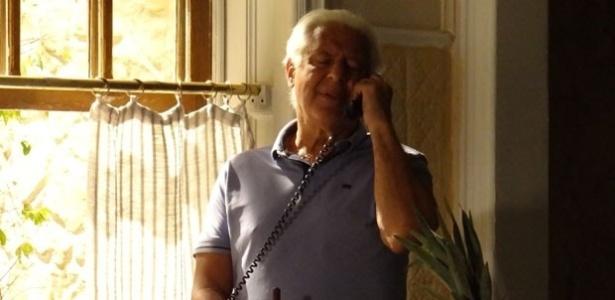 "Em ""Amor à Vida"", César proíbe busca na mansão"
