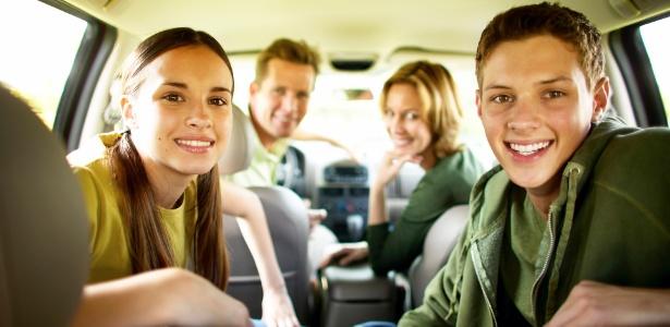 Mesmo que liberem o jovem da viagem, os pais devem manter contato intenso enquanto estiverem fora