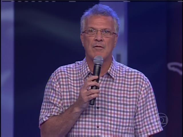 26.jan.2014. Pedro Bial anuncia fim da votação