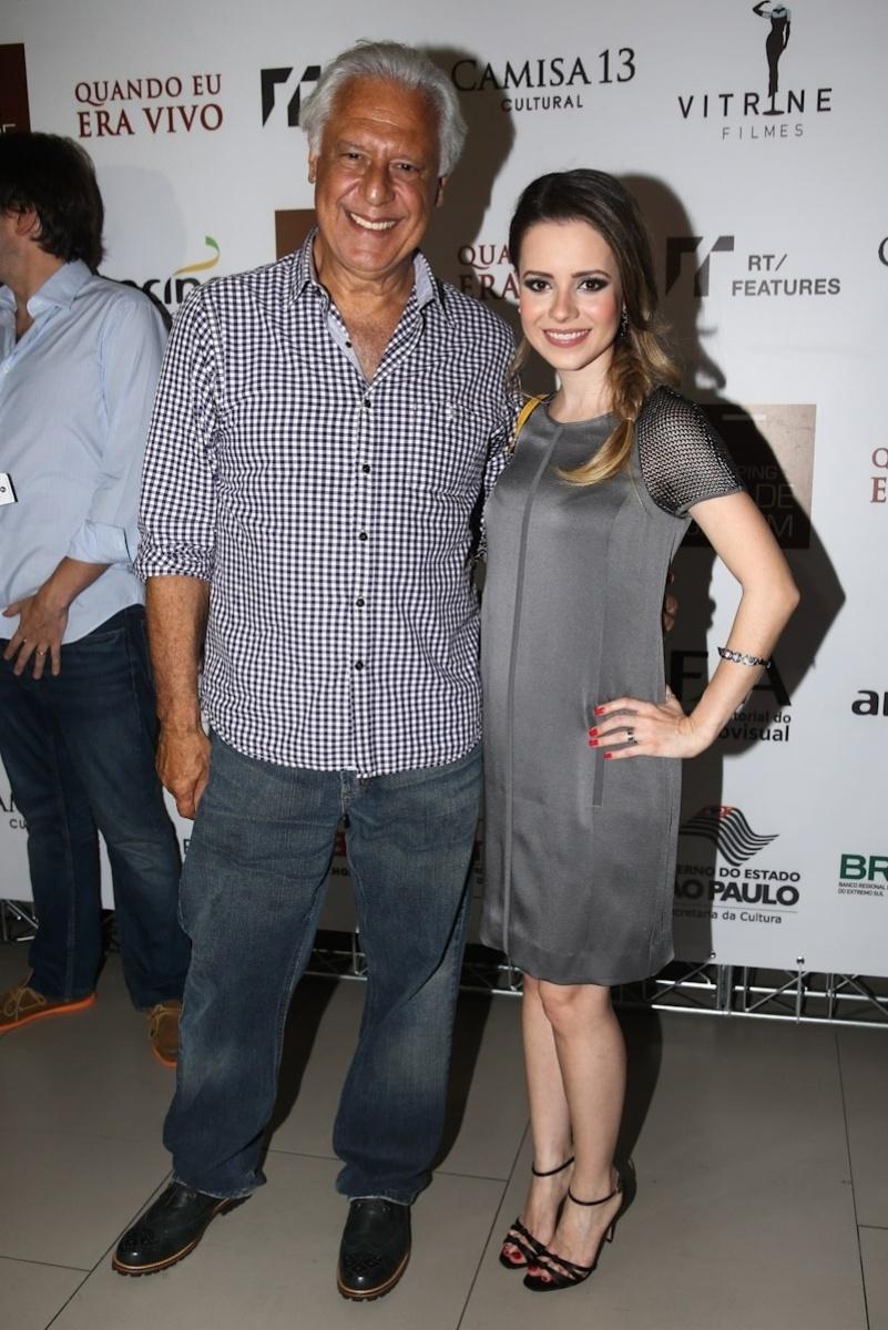 27.jan.2014 - Antônio Fagundes e Sandy prestigiaram a pré-estreia do filme