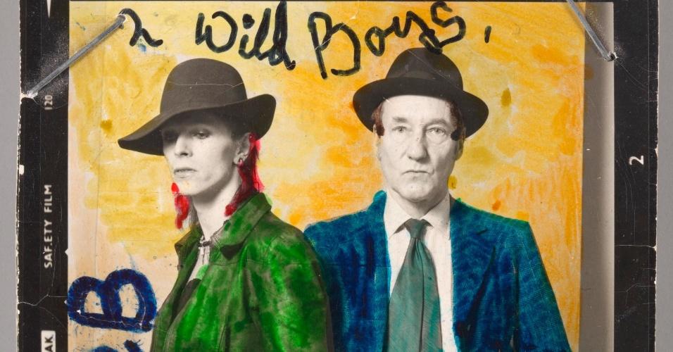 David Bowie e William Burroughs em foto de Terry O'Neill. A exposição David Bowie fica em cartaz no MIS (Museu da Imagem e do Som) de 31 de janeiro a 20 de abril de 2014.
