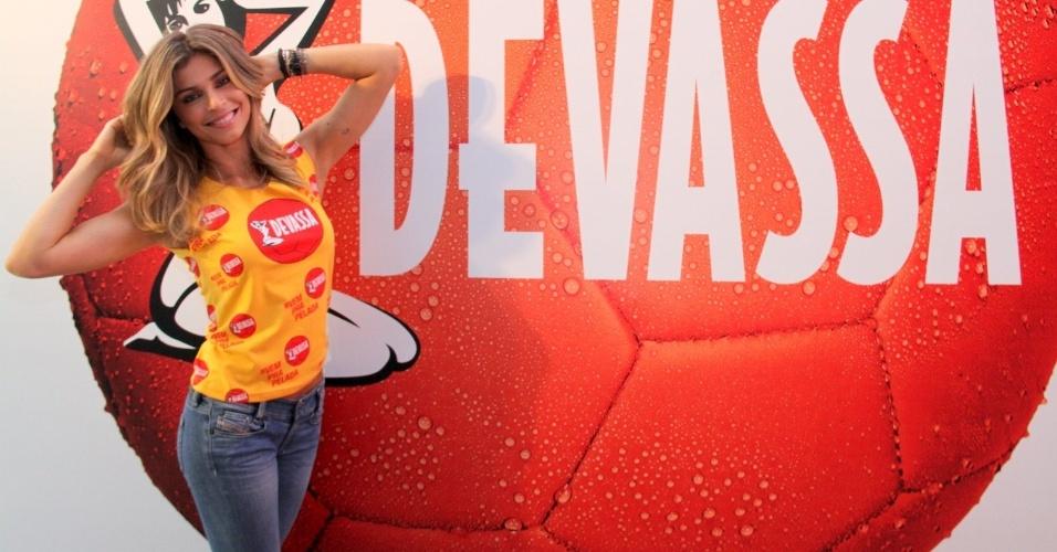 28.jan.2014 - Grazi Massafera é nomeada como musa da Devasssa, lugar já ocupado por Paris Hilton, Sandy e Alinne Moraes, na Marquês de Sapucaí