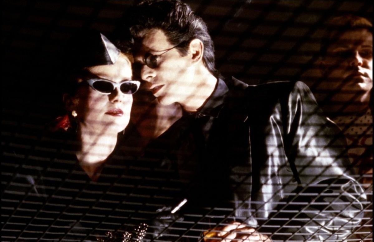 Fome de Viver (Dir.: Tont Scott, 1983) O grande filme do Bowie foi um fracasso de bilheteria, embora seus longas anteriores também não tenham sido exatamente um sucesso. Foi o ano em que o cantor mais recebeu convites para atuar - algo que ele sempre gostou de fazer. Mais uma vez o visual do cantor lembrava seus tempos de androginia ao interpretar um homem que precisa se alimentar de sangue para não envelhecer. Claro,