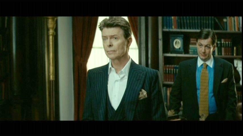 Reação Colateral (Dir.: Austin Chick, 2008) - Após ?Fome de Viver? (1983), Bowie voltaria a trabalhar com Susan Sarandon neste filme, que marca sua última colaboração no cinema até o momento. O filme foi um pouco melhor nas críticas e na bilheteria do que os longas anteriores, mas o cantor faz apenas uma participação pequena