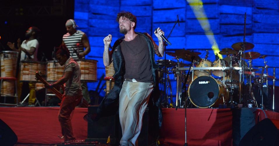 29.jan.2014 - O cantor Saulo, ex-vocalista da Banda Eva, se apresenta no Festival de Verão de Salvador