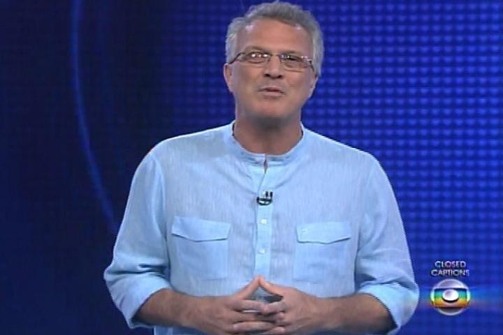 30.jan.2014 - Pedro Bial faz a apresentação da edição desta quinta-feira
