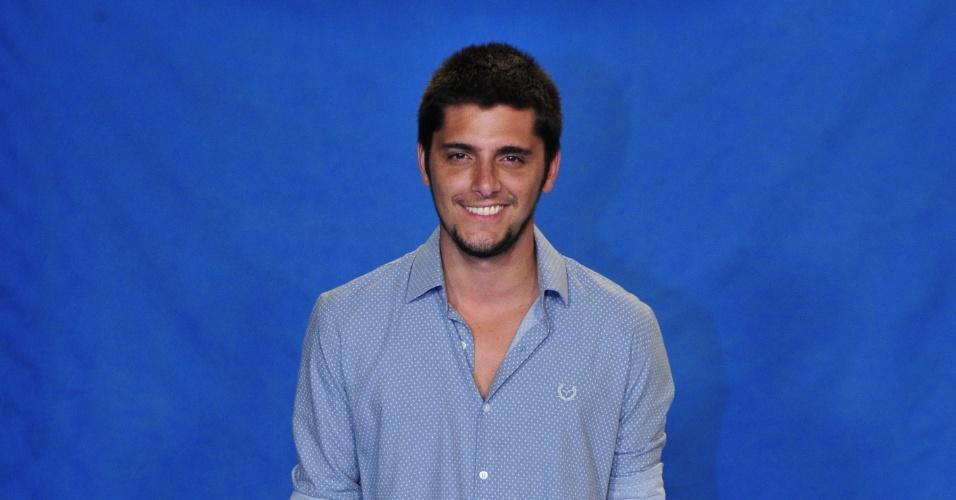 """Bruno Gissoni é André em """"Em Família"""""""