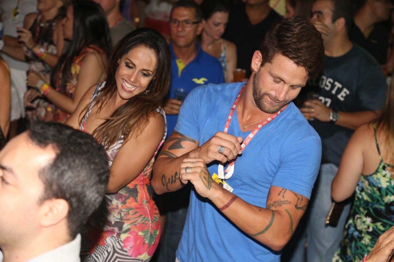30.jan.2014 - Ivete Sangalo chega acompanhada do marido, Daniel Cady, ao Festival de Verão em Salvador