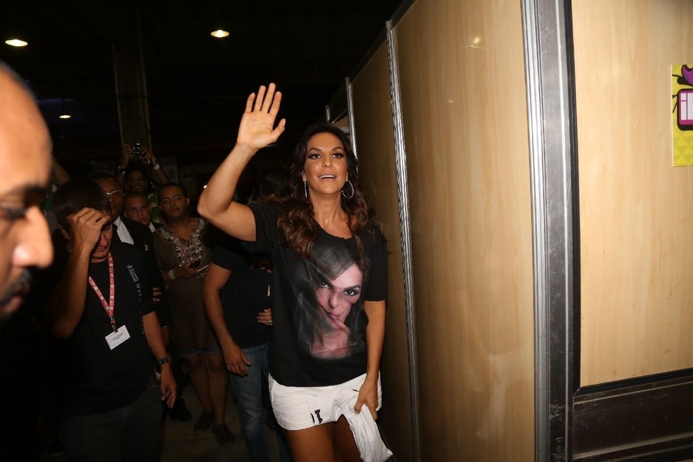 30.jan.2014 - Ivete usava uma camiseta com a sua foto estampada