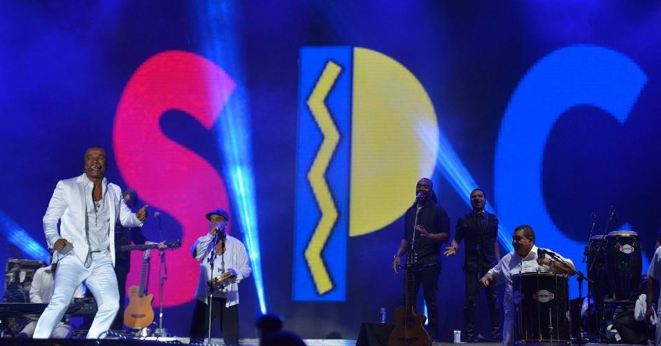 30.jan.2014 - Só Pra Contrariar se apresenta no Festival de Verão de Salvador