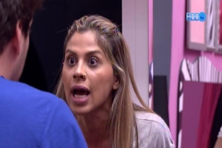 31.jan.2014 - Vanessa discute com Cássio na cozinha da casa