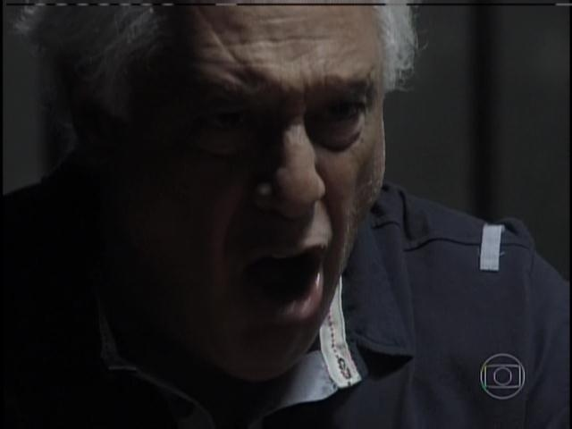 César grita com Aline e nega que tenha culpa
