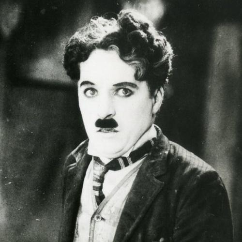 """Chaplin posa para foto de divulgação de """"Em Busca do Ouro"""" (1925)"""