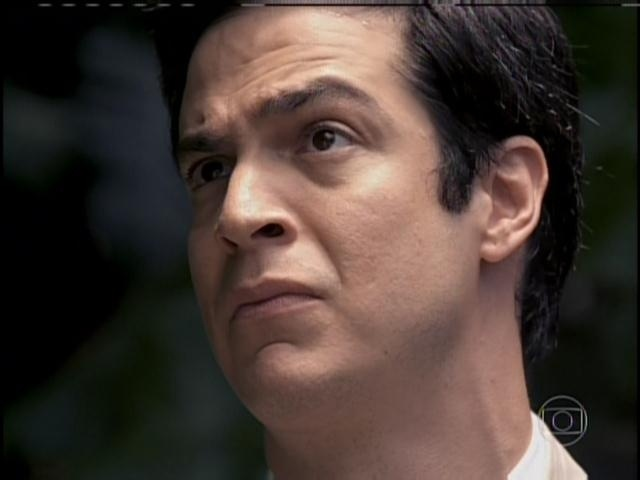 Félix chora ao conversar com Paulinha