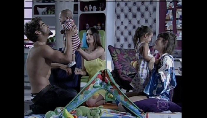 Silvia e Guto adotam filha