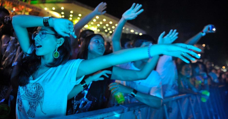 31.jan.2014 - Fãs assistem ao show de The Wailers, ex-banda de Bob Marley, no Festival de Verão