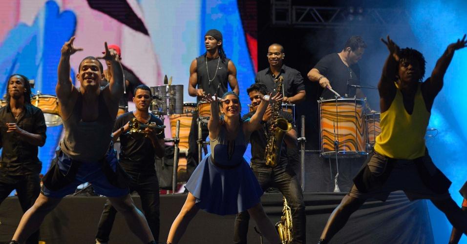 31.jan.2014 - Xanddy do Harmonia do Samba encerra a terceira noite do Festival de Verão de Salvador