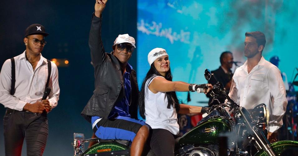 1.jan.2014 - Psirico se apresenta na última noite do Festival de Verão, em Salvador