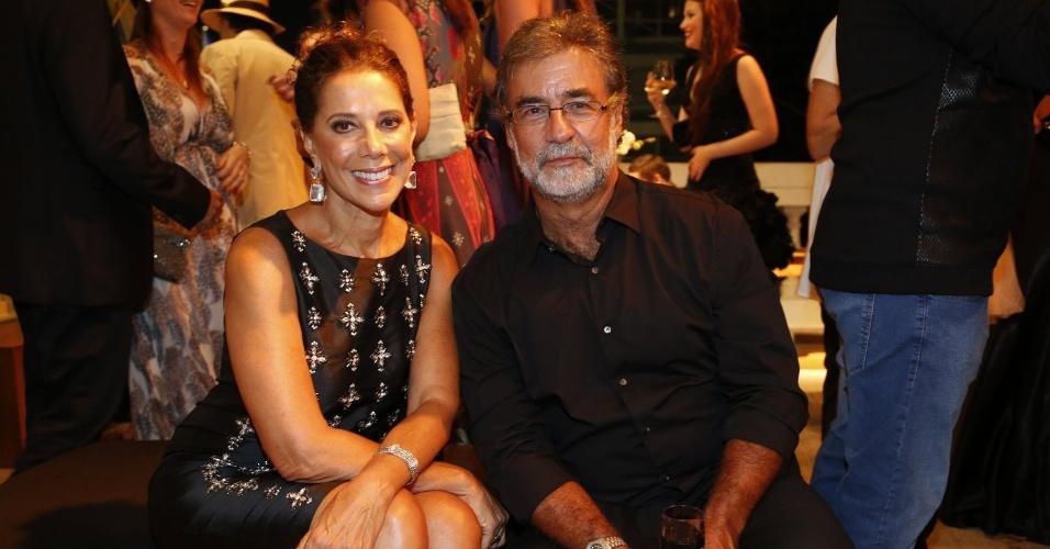 """2.fev.2014 - Ângela Vieira e o marido, Miguel Paiva, na festa da novela """"Em Família"""""""