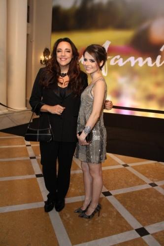 """2.fev.2014 - Sandy e Ana Carolina na festa da novela """"Em Família"""""""