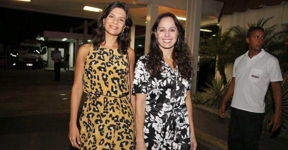 """3fev.2014 -  Helena Ranaldi e Claudia Mauro conferem estreia de """"Em Família"""" com elenco"""