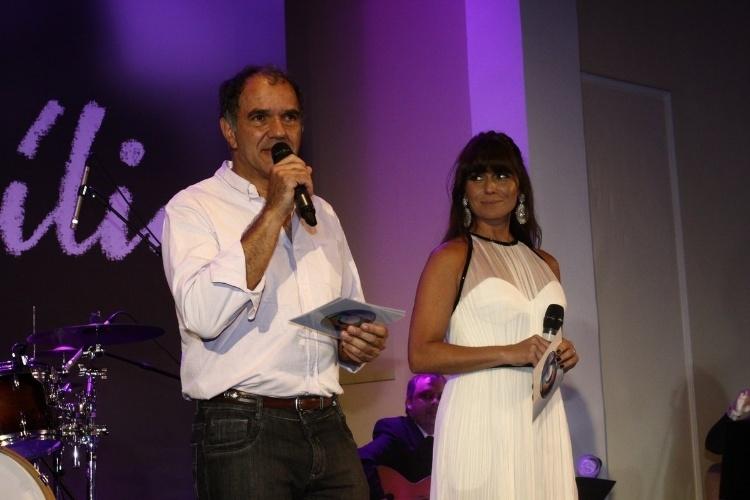"2.fev.2014 - Humberto Martins e Giovanna Antonelli na festa da novela ""Em Família"""