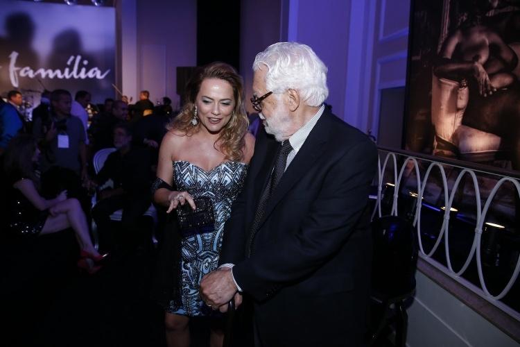 """2.fev.2014 -  Viviane Pasmanter e Manoel Carlos na festa da novela """"Em Família"""""""
