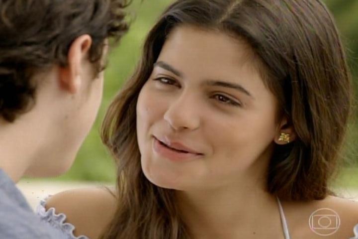 3.fev.2014 - Na segunda fase da novela, Helena e Laerte já estão namorado