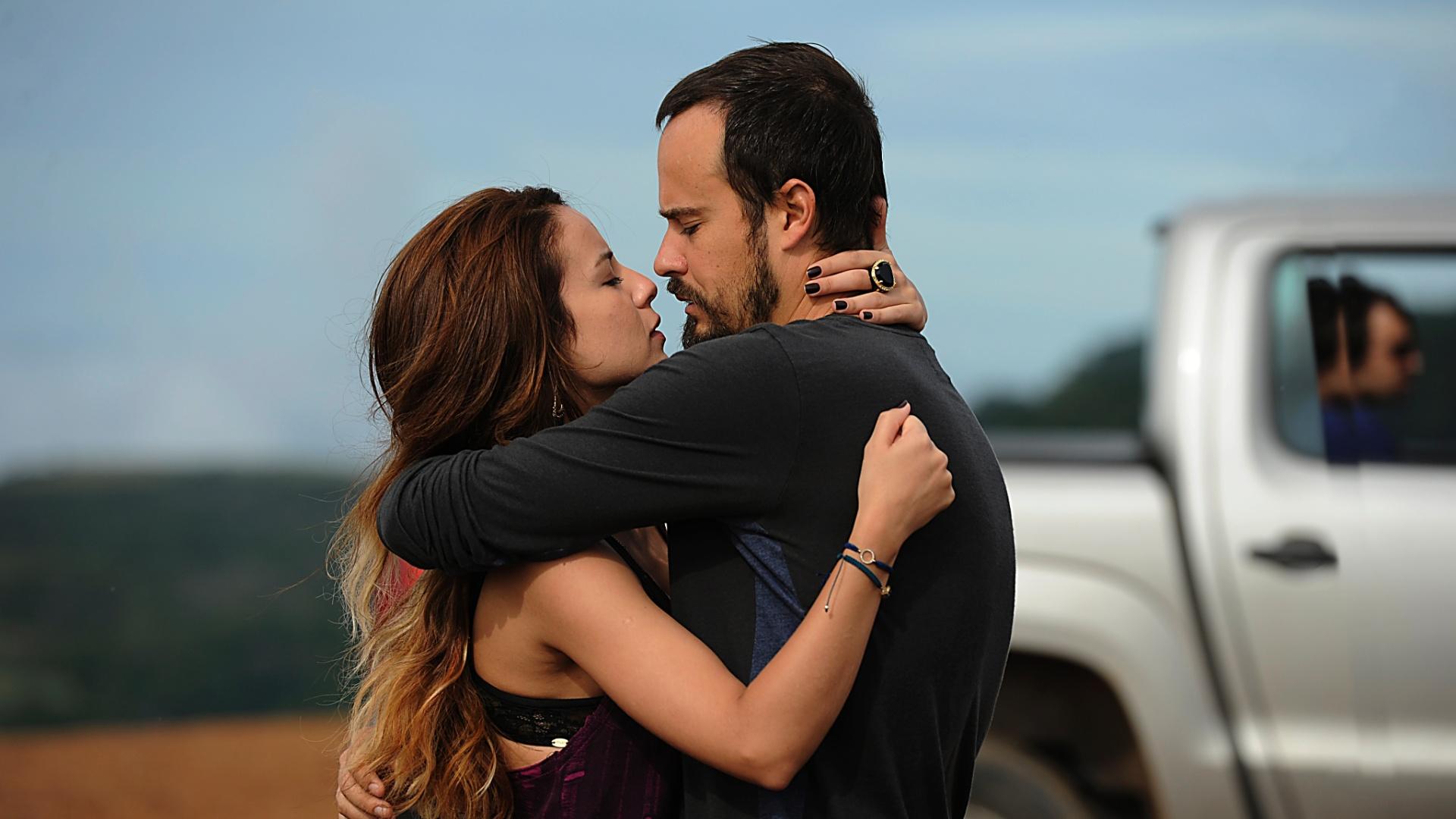 Andréia Horta e Paulo Vilhena em cena de