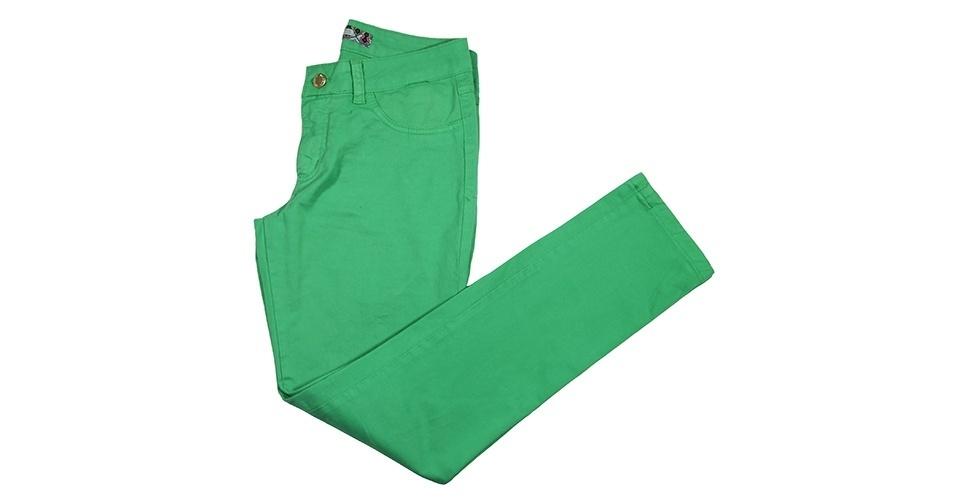 Calça verde; R$ 69,90, na Mercatto (www.modamercatto.com.br) Preço pesquisado em janeiro de 2014 e sujeito a alterações