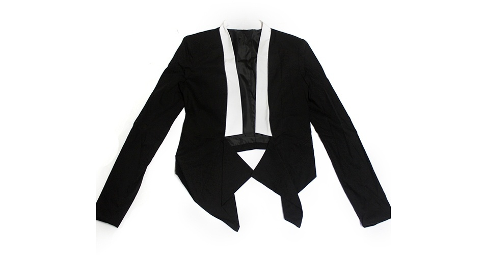 Casaco preto e branco; R$ 248, na My Philosophy (Tel.: 21 3875-3005) Preço pesquisado em janeiro de 2014 e sujeito a alterações