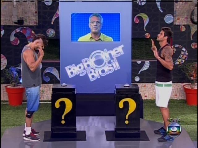 Junior disputa com Diego e acerta primeira pergunta da prova
