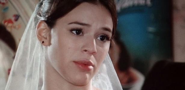 """""""Em Família"""", Helena pensa em adiar casamento com Laerte para Virgílio poder estar presente"""