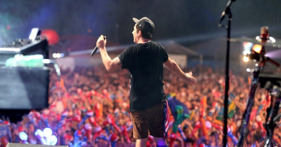 7.fev.2014 - Jota Quest se apresenta no palco principal do Planeta Atlântida 2014, que acontece na sede campestre da Saba, na praia de Atlântida, em Xangri-Lá, no Litoral Norte do Rio Grande do Sul