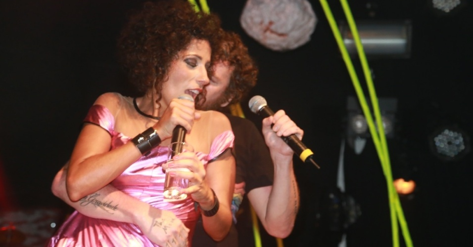 8.fev.2014 - No evento Pipoca Moderna, Marcia Castro e Otto se apresentam em Salvador com a presença dos cantores Otto, Caetano Veloso e  Ney Matogrosso