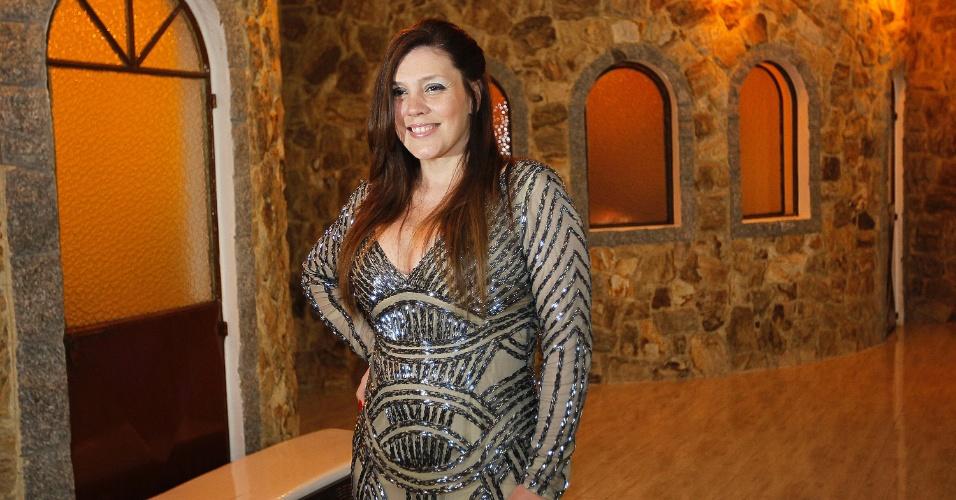 10.fev.2014 - Simony prestigia o aniversário de Cauby Peixoto, no Buffet Monte Castello, em São Paulo