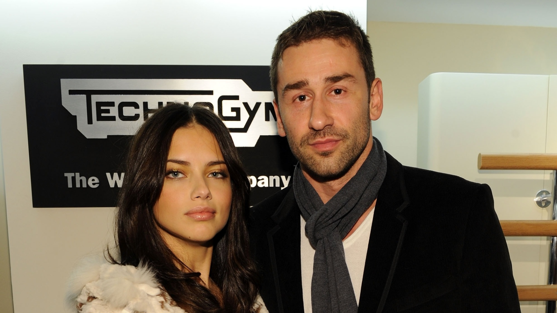 16.nov.2010 - Adriana Lima e Marko Jaric no evento Technogym at the Technogym Showroom em Nova York