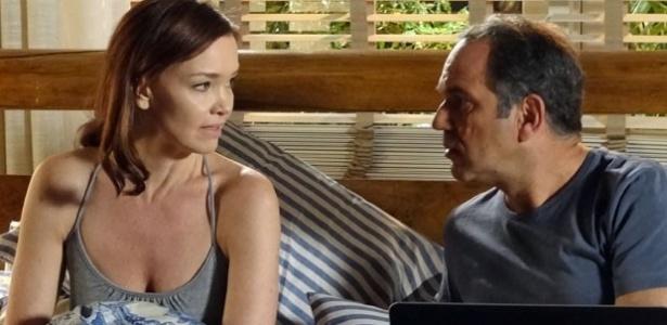 """""""Em Família"""", Helena diz não querer que Luiza saiba quem é Laerte"""