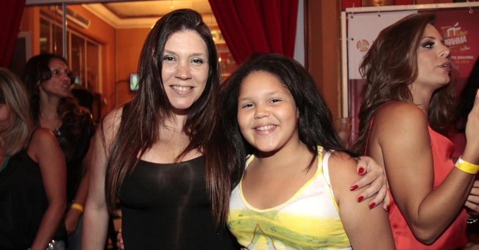 12.fev.2014- Aisha também acompanhou a mãe Simony em evento de São Paulo